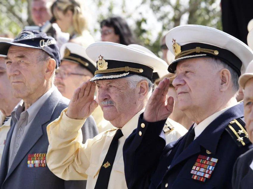Пенсии военным пенсионерам в 2019 году с 1 января - последние новости