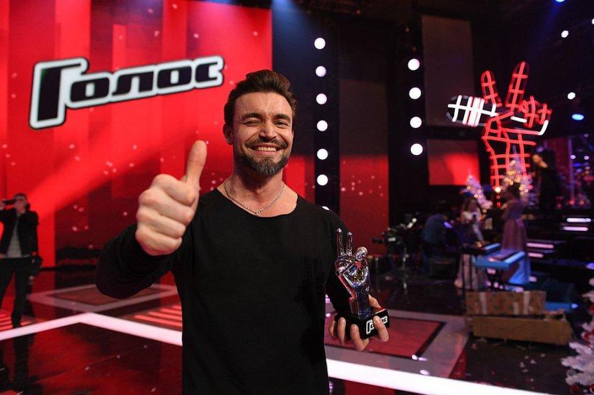 Победителем шоу Голос-7 стал Петр Захаров