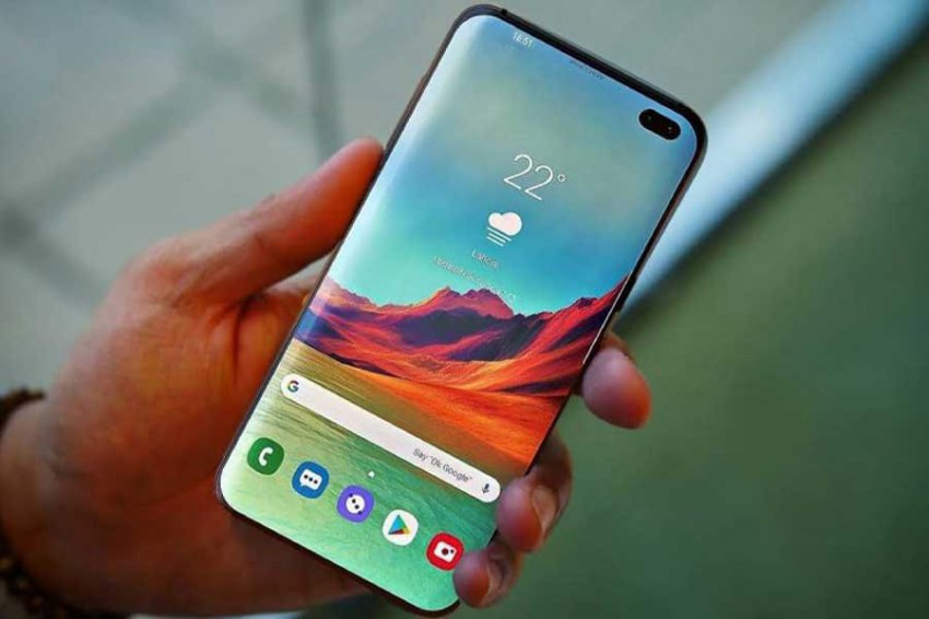 Samsung Galaxy S10 показан на «живой» фотографии