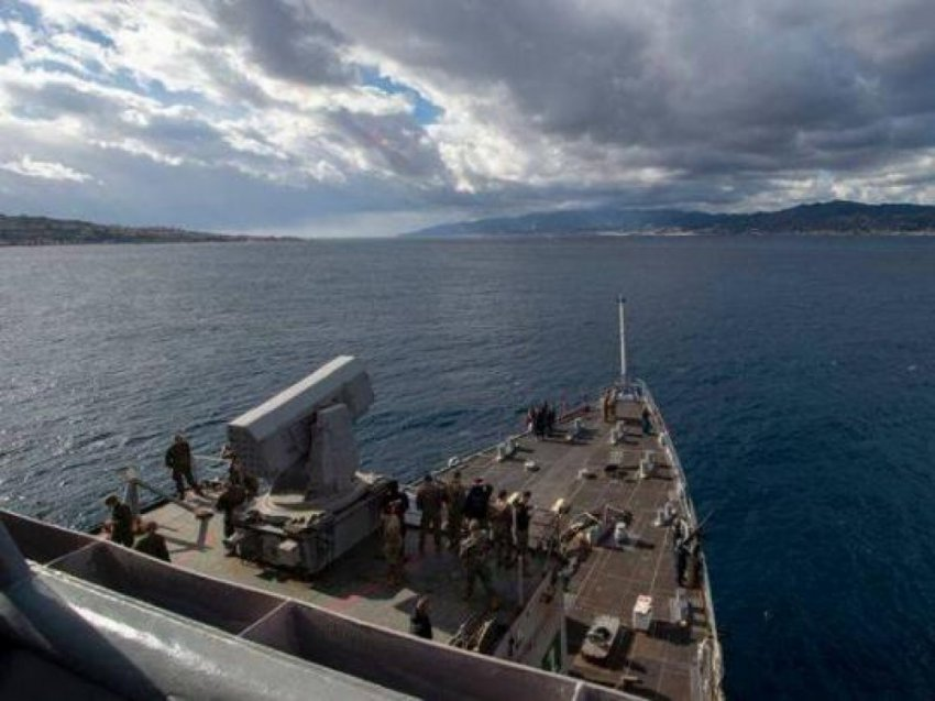 Корабль США в Черном море - фото, видео, последние новости