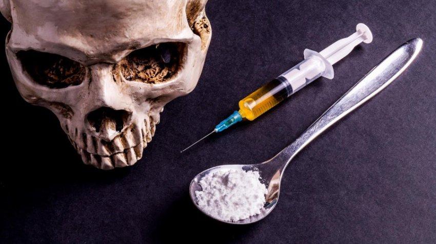 Уровень смертности от передозировки наркотиков среди женщин в США за 2 десятилетия вырос на 260%