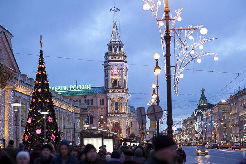 """МЧС: Петербург """"Выдержал и выстоял"""" в новогодние праздники"""