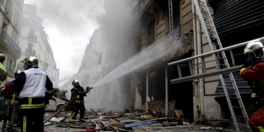 Взрыв газа в центре Парижа: не менее 30 пострадавших, двое пожарных погибло
