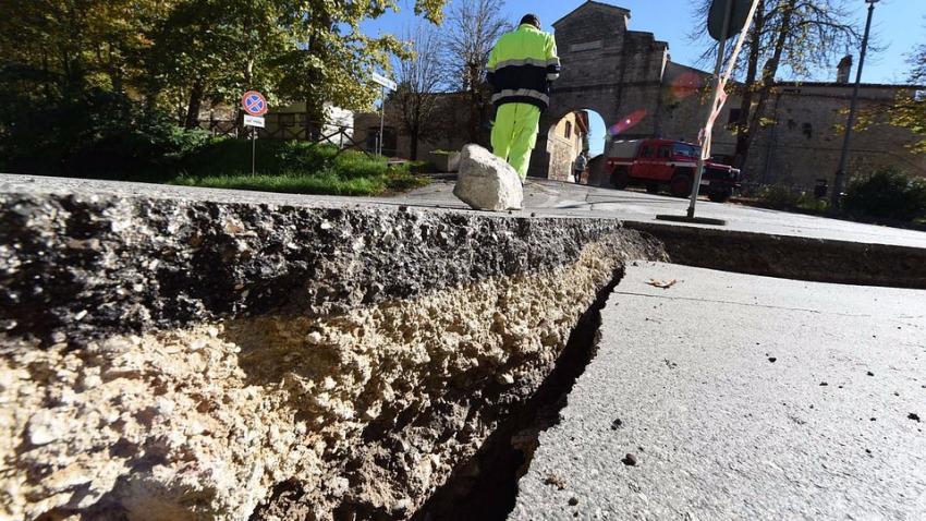 Сейсмологи: в ближайшие дни Земля может содрогнуться от мощных землетрясений