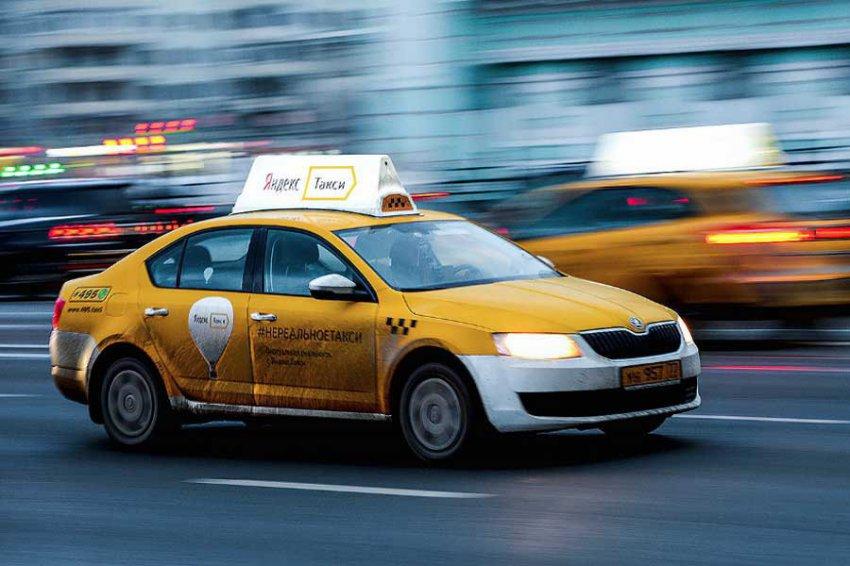 Девушка из Челябинска избила в Москве таксиста и угнала машину