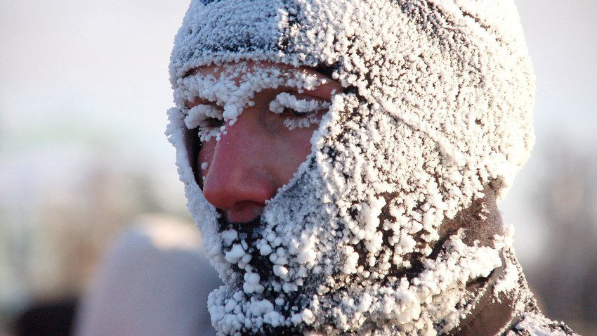 Убийственные морозы в США: мужчина замерз насмерть, пока разгребал снег