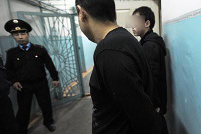Заключенные колонии в Уральске рассказали на камеру об условиях содержания