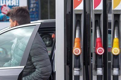 Бензин в Казахстане дешевле, чем в России