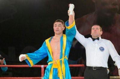 Сапарбай Айдаров убийственным нокаутом дебютировал на профи-ринге