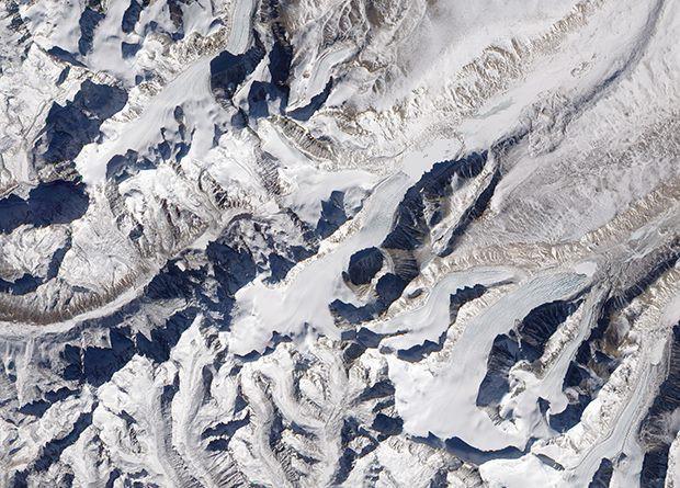 К концу века прогнозируют катастрофу из-за исчезновения двух третей гималайских ледников