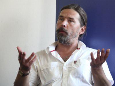 Лидера «Коррозии металла» Сергея Троицкого задержали по подозрению в торговле «спайсами»