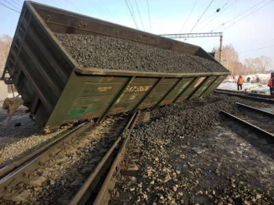 В Хабаровском крае сошли с рельсов 27 вагонов с углем