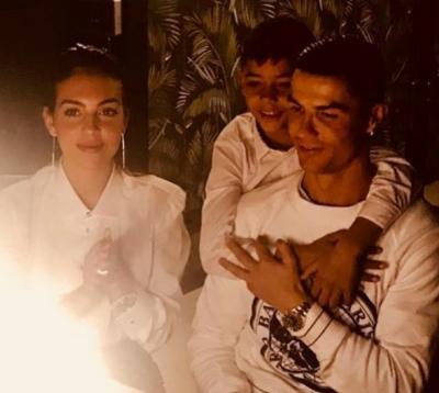 Роналду отпраздновал 34-летие дома в кругу семьи