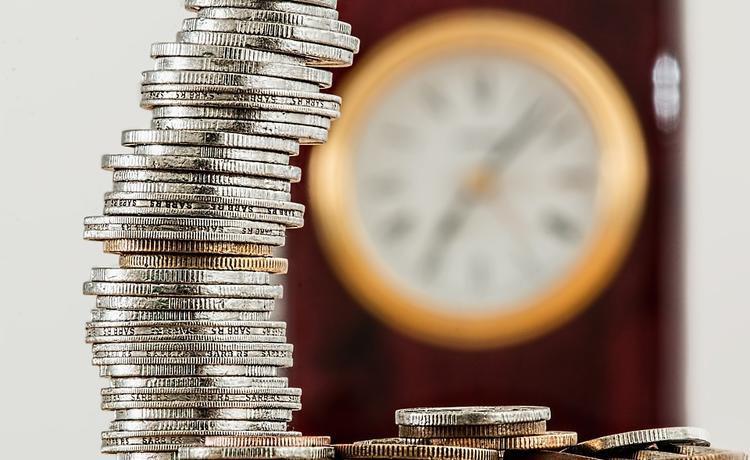 Часть россиян сможет получать пенсию по-старому: с 55 лет женщины и 60 лет мужчины