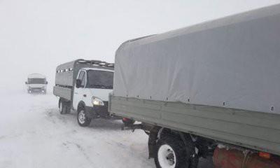 В ЗКО спасли застрявших на дороге в буран граждан России
