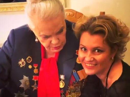 Известная актриса Элина Быстрицкая ослепла и перестала ходить