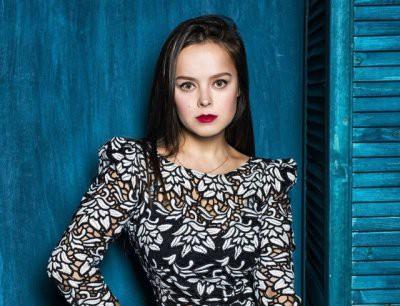 Экс-участница Comedy Woman Медведева извинилась за шутку о генерале Карбышеве