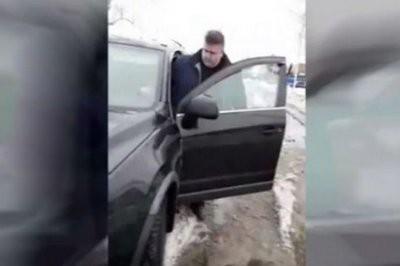 Под Брянском чиновник пригрозил «хлопнуть в рыло» женщине
