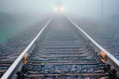 В Москве поезд насмерть сбил двух мужчин