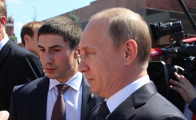 Опрос показал как россияне в реальности относятся к работе Путина