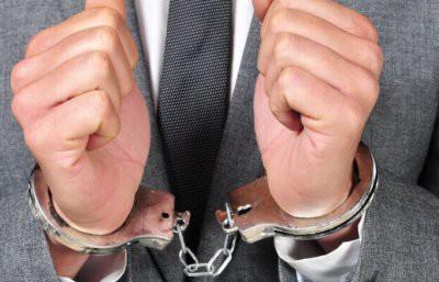 В Алматы адвоката задержали при получении 315 тысяч долларов