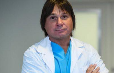 ФСБ по обвинению в краже 1,3 миллиарда рублей задержала кардиохирурга с мировым именем