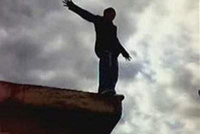 В Витебске мужчина прыгнул с моста и выжил