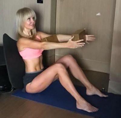 Обалдеть, а ведь ей 50: Валерия показала свою потрясающую фигуру и раскрыла секрет похудения
