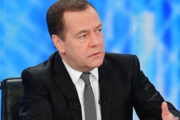 Россияне высказывают максимальное недовольство работой Медведева