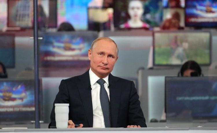 Путин распорядился доплатить пенсионерам в 2019 году