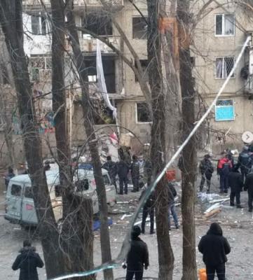 В Казахстане при взрыве газа в доме погибли три человека