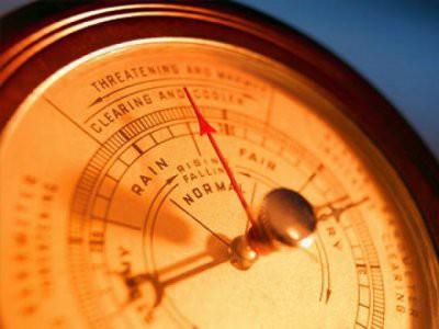 В Москве атмосферное давление опустится к рекордно низким значениям