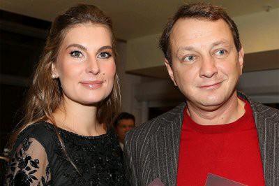 За избиения жены Башарова отстранили от спектакля