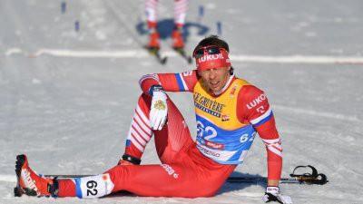 Александр Бессмертных завоевал историческое серебро на 15 км ЧМ по лыжам