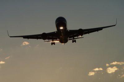 Boeing 737 вернулся в Уфу из-за отказа двигателя