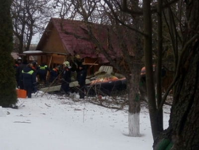В Подмосковье легкомоторный самолет рухнул на частный дом