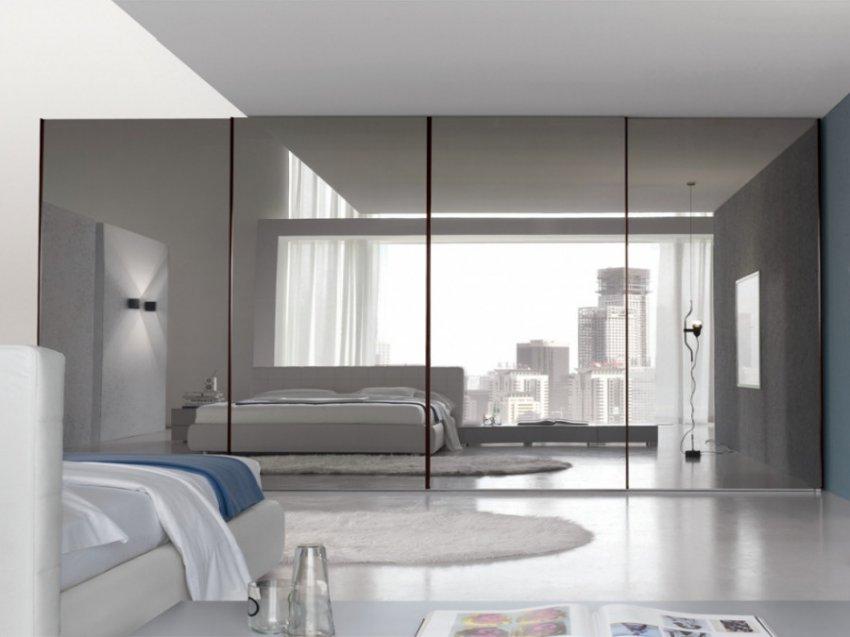 Астрологи и ученые заявили о вреде зеркал в спальне