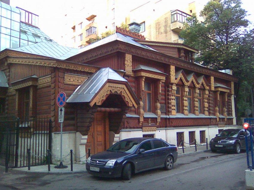 «Мертвый дом» Пороховщикова: кто убил русского «Марлона Брандо» и его жену