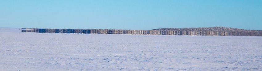 Странный мираж или что-то иное засняли на озере финские пограничники