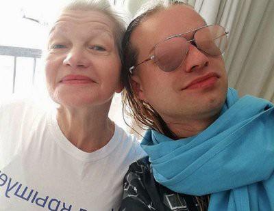 Пожилая супруга Гогена Солнцева Екатерина Терешкович закатила скандал в ресторане