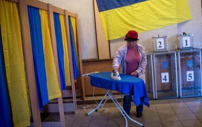 Опрос: россияне считают, что результаты выборов в Украине сфальсифицируют