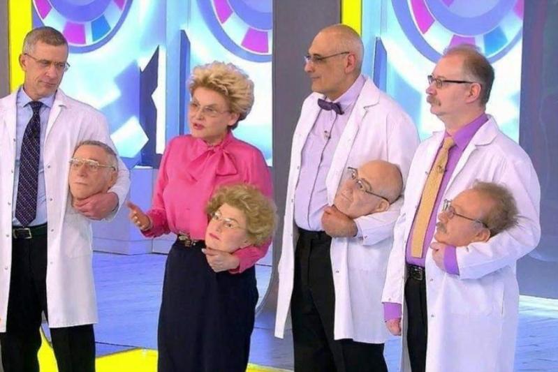 """Малышева принесла на эфир программы """"Жить здорово!"""" свою """"запасную"""" голову"""