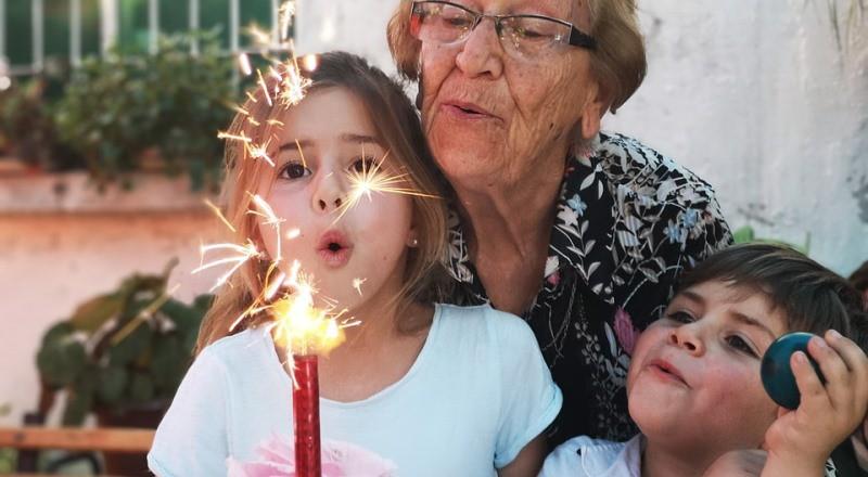 Умершая бабушка пришла попрощаться с внучкой