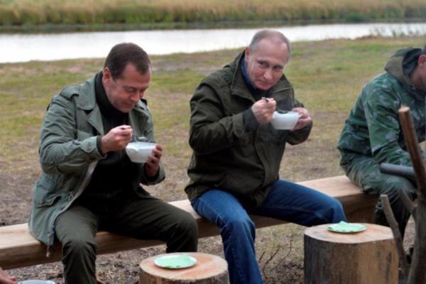 Россияне просят Путина отправить Медведева в отставку