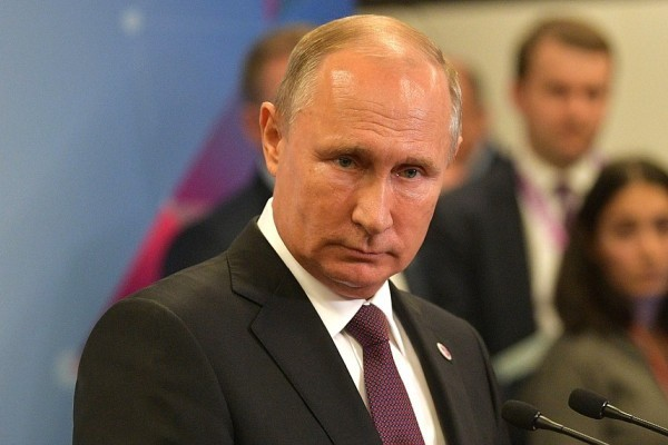 Рейтинг Путина продолжает снижаться