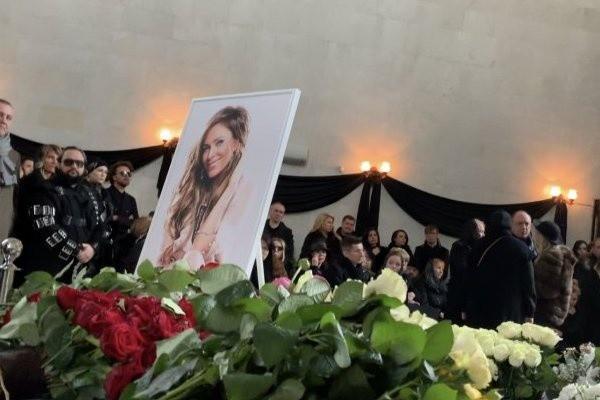 Юлия Началова, фото похороны, видео: последние новости сегодня о причинах смерти, 24.03.2019
