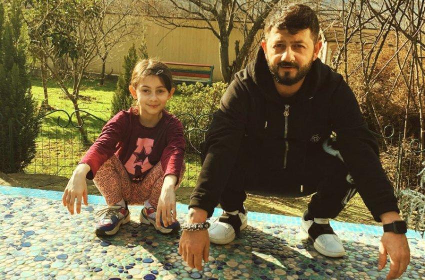 Фотоснимок Михаила Галустяна с дочкой в стиле «гопников» стал хитом сети