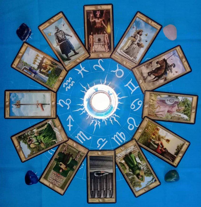 Таролог Елена Саламандра сделала любовный гороскоп для Овнов, Тельцов и Близнецов на весь 2019 год