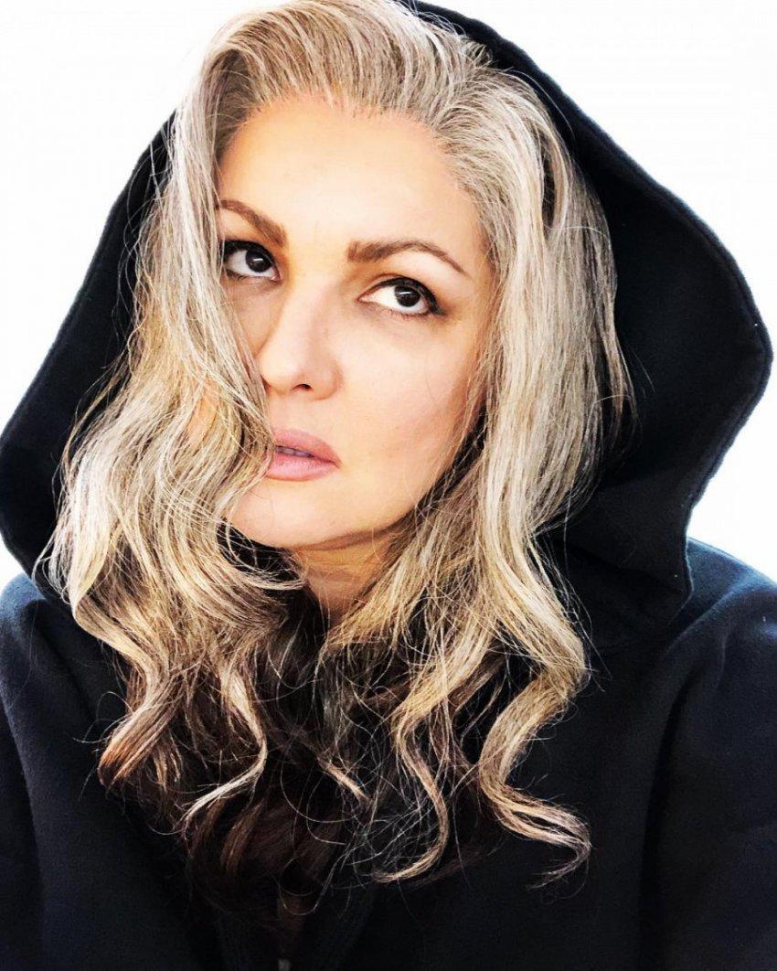 Анна Нетребко перевоплотилась в блондинку для участия в опере