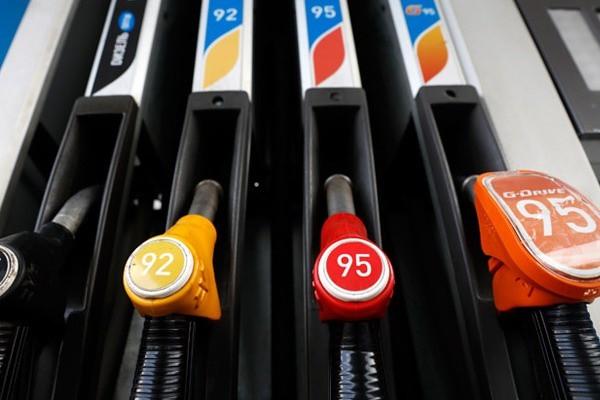 Госдума отказалась ограничивать цены на бензин